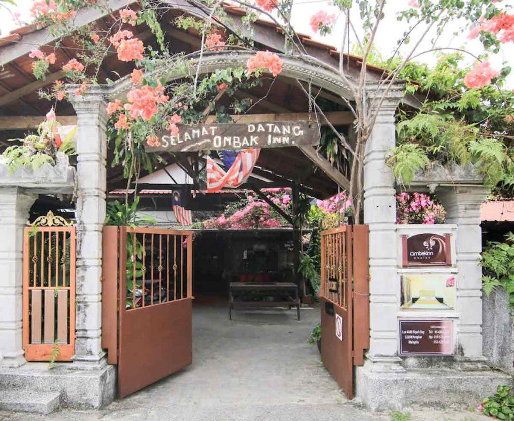 OYO 44084 Ombak Inn Chalet