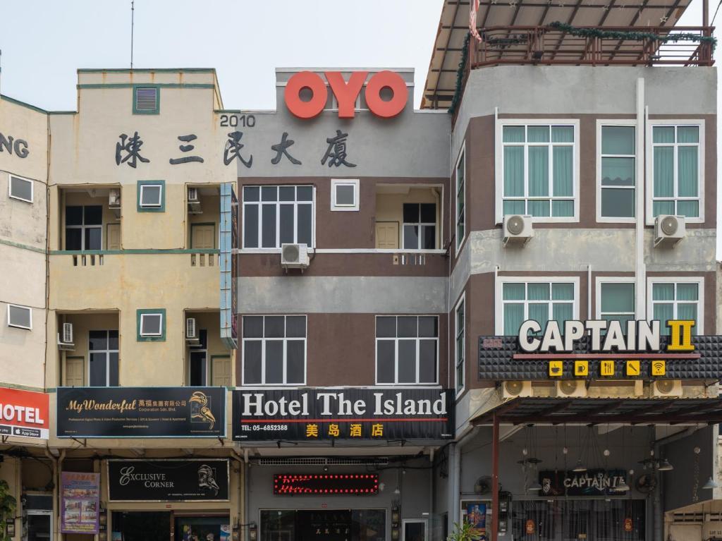 OYO 44078 The Island Hotel